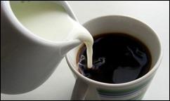 καφές-με-γάλα-615x364
